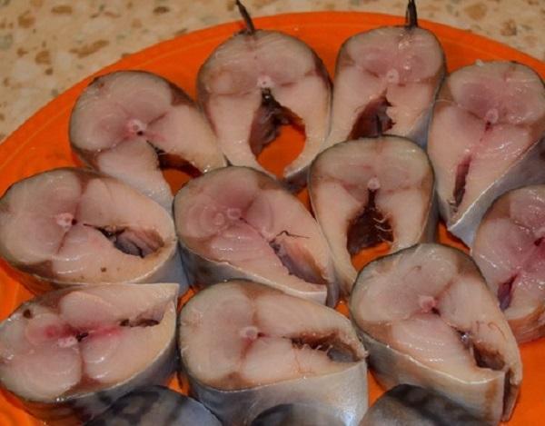Как засолить скумбрию: самый удачный способ! Такую нежную и пикантную рыбу в магазине не купишь