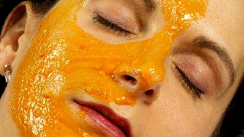 Ровно 5 капель этого масла разгладят морщины, уберут пятна, мешки и темные круги в области под глазами!