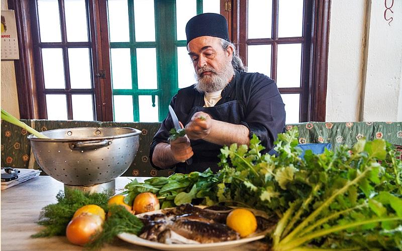 Секреты долголетия афонских монахов. Шеф-повар отец Епифаний Mилопотамский и его 10 заповедей.