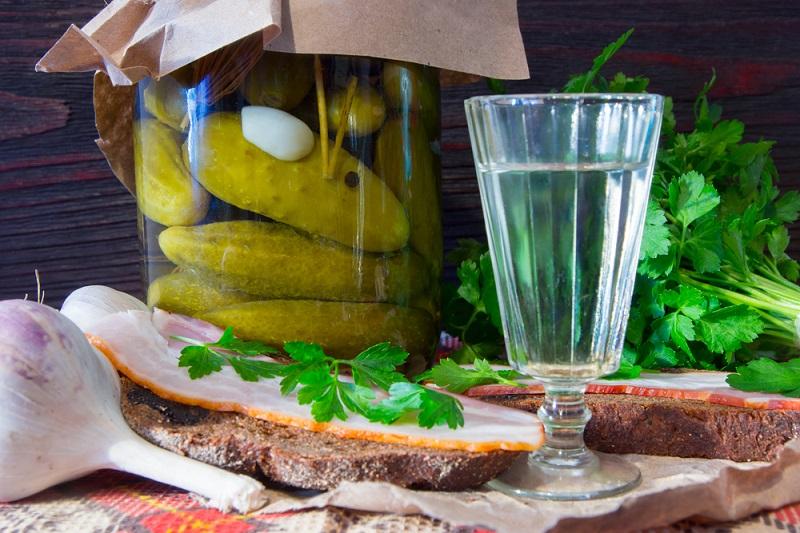 20 абсолютно неожиданных способов использовать водку (Менделеев и не догадывался о таком).