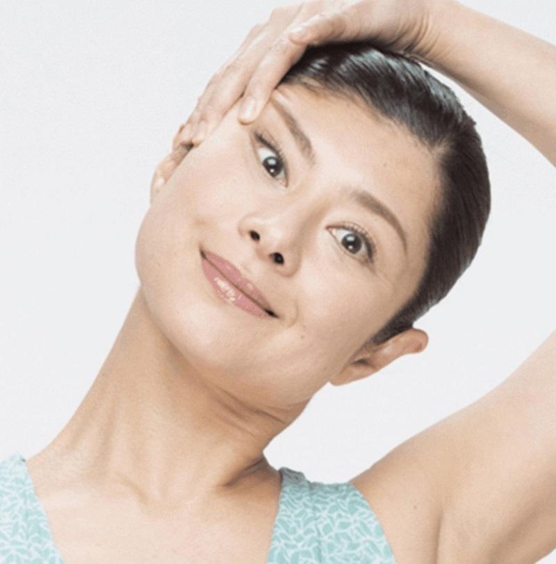 Мамада Йошико: «Рассказываю, как подтянуть лицо, тратя 10 секунд в день! Встань перед зеркалом…».
