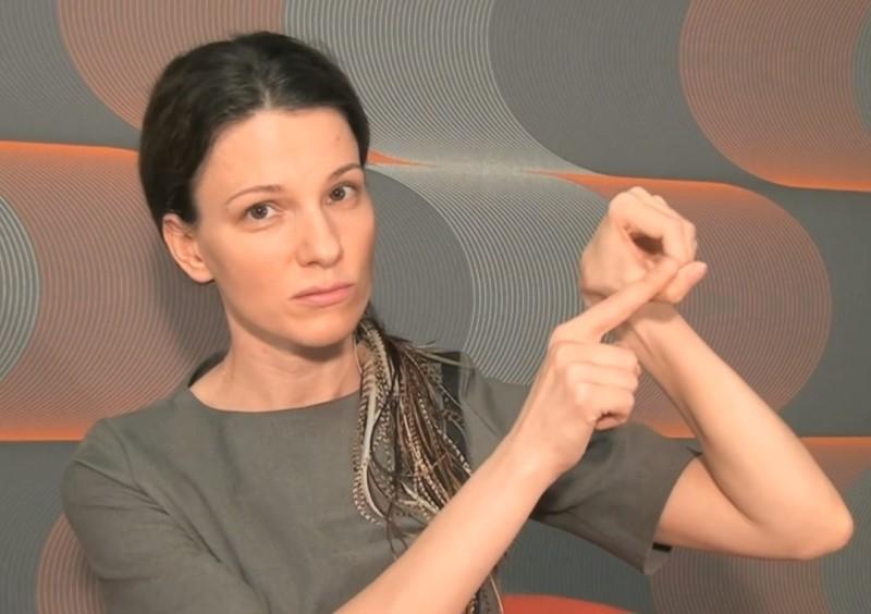 Скажи «нет» унылым брыльцам! Заставь мышцы удерживать овал лица.