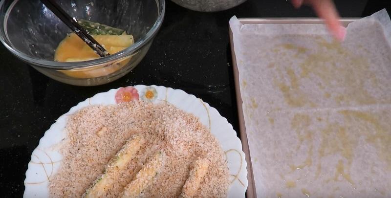 Из двух кабачков получилась потрясающая закуска! Подойдет к любому блюду…