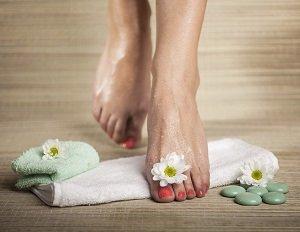6 действенных способов отмыть руки и ноги после работы на даче