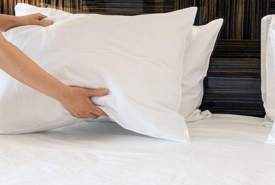 Как правильно чистить подушки: трюки, которые знают не все