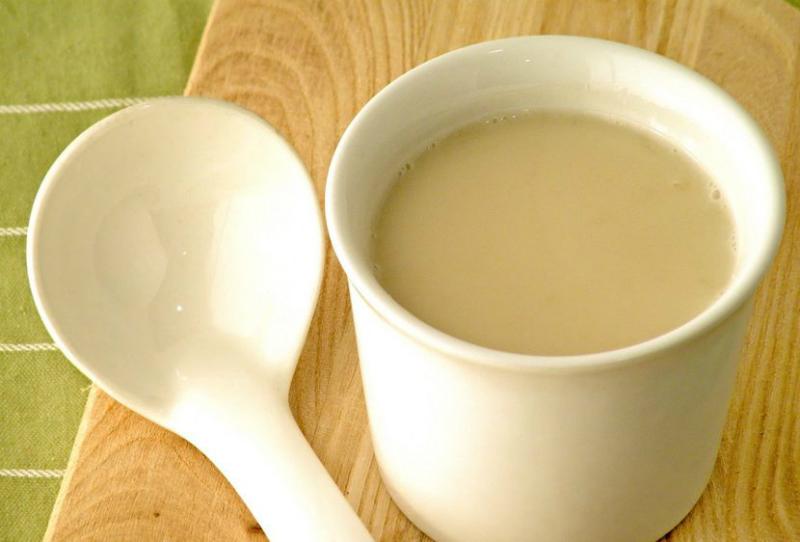 Прополисное молоко — суперцелебная настойка ото всех болезней.