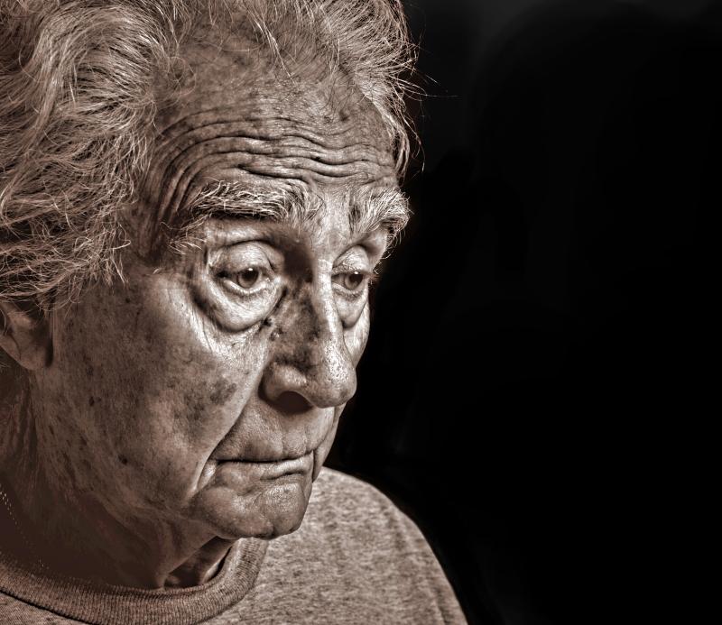 Не надо копить! Мудрая бабушка учит внуков: почему покупать ерунду лучше, чем экономить.