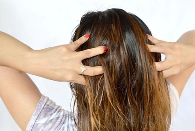 Просто добавьте это в шампунь — и никаких волос на расческе