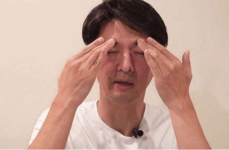 Как поднять нависшие веки: Японский прием на 1 минуту и еще один секрет!